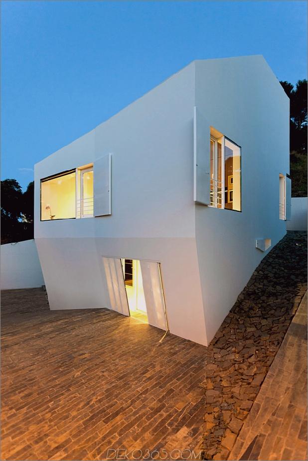 Modernes Barcelona-Haus mit vielfältiger Geometrie 1 thumb 630x940 18902 Modernes Barcelona-Haus mit vielfältiger Geometrie