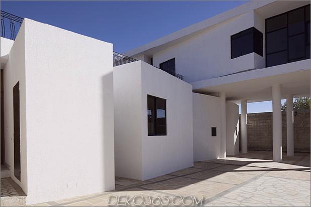 moderne Hacienda mit asymmetrischen Linien 2 thumb 630x420 26932 Modernes Hacienda-Stilhaus auf Säulen gebaut