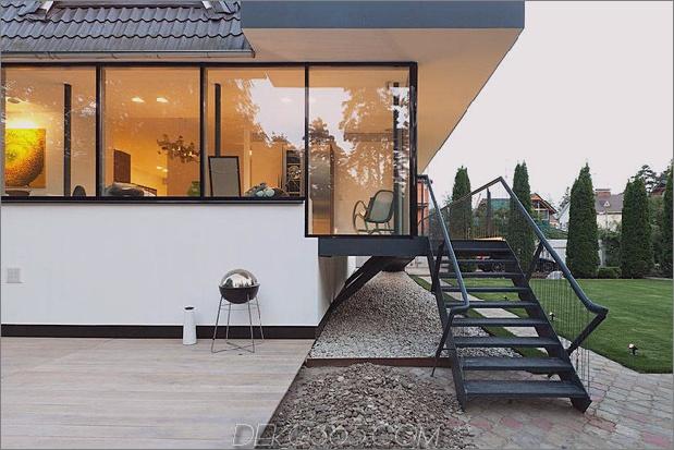 Modern-Cottage-Stil-Haus-mit gewölbten Dachgeschoss-Zimmern-6-Porch-Treppen.jpg
