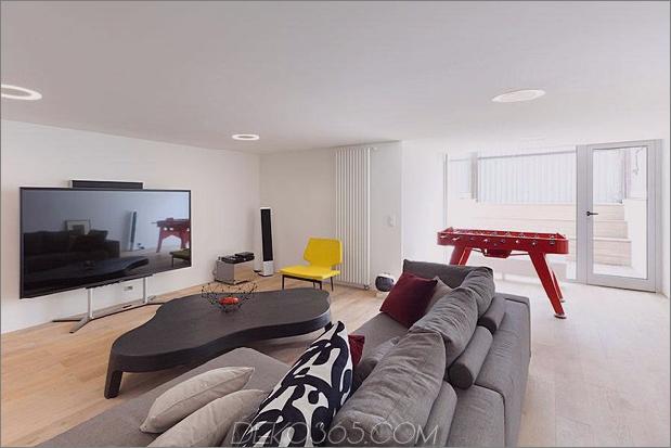 Modern-Cottage-Stil-Haus-mit gewölbten Dachgeschoss-Zimmern-15-small-living-room.jpg
