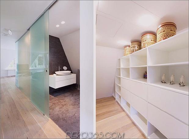 Haus im modernen Landhausstil mit gewölbten Zimmern im obersten Stockwerk-17-bathroom-storage.jpg