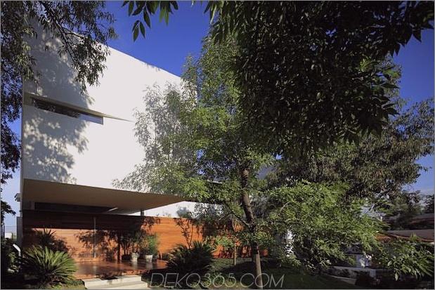 casa-siete-open-front-back-false-facade-5-porch.jpg