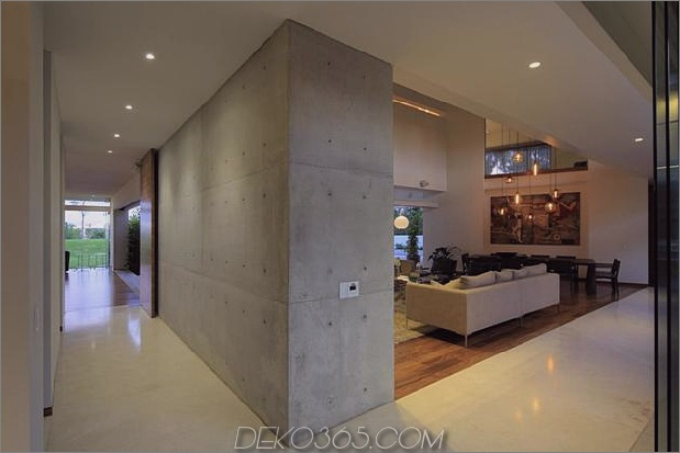 casa-siete-open-wide-front-back-false-fassade-8-hall.jpg