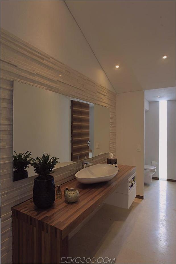 casa-siete-open-wide-front-back-false-fassade-18-bathroom.jpg