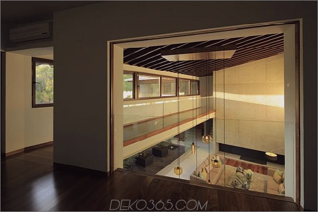 casa-siete-open-wide-front-back-false-facade-20- mezzanine.jpg