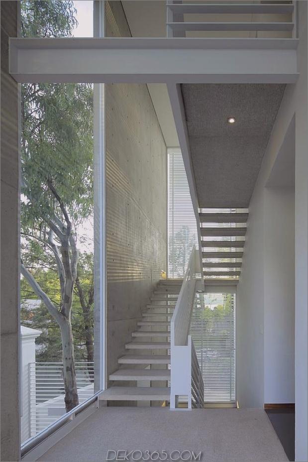 casa-siete-open-wide-front-back-false-facade-21-outdoor-stairs.jpg
