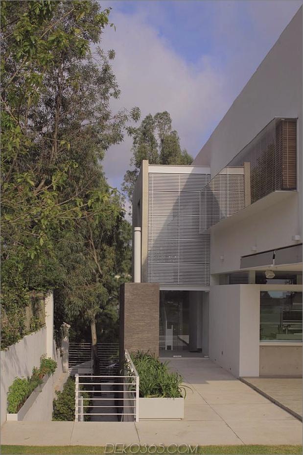 casa-siete-open-front-back-false-facade-24-facade-side.jpg