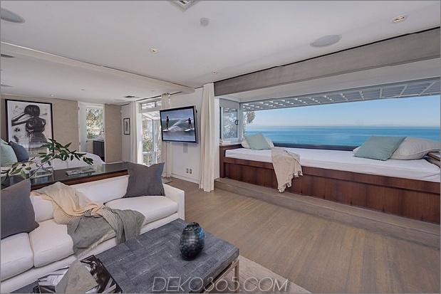 malibu-beach-house-master-bedroom-view.jpg