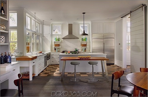 modern-traditional-home-design-unusualarchitectural-elements-8-kitchen-island.jpg