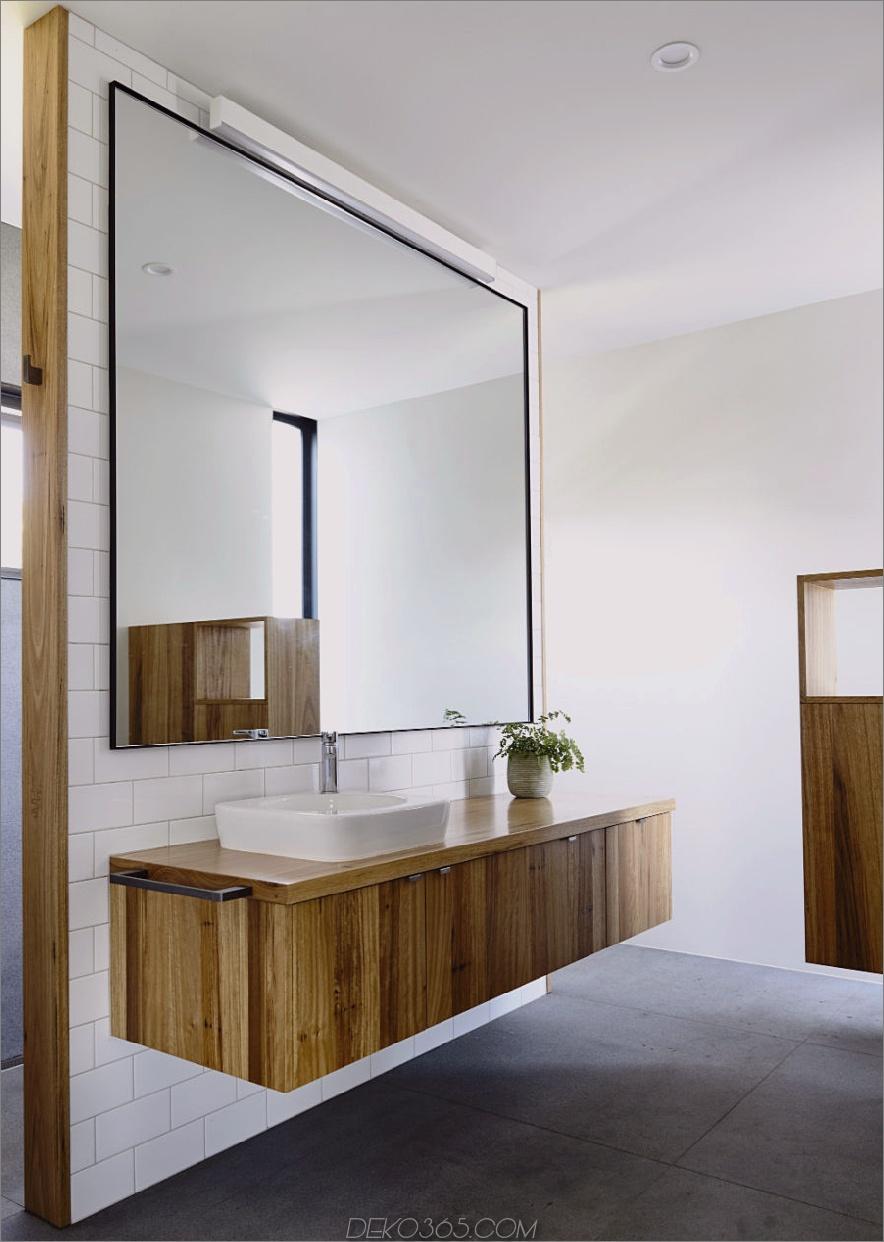 Badmöbel aus dem gleichen Holz wie die Küche