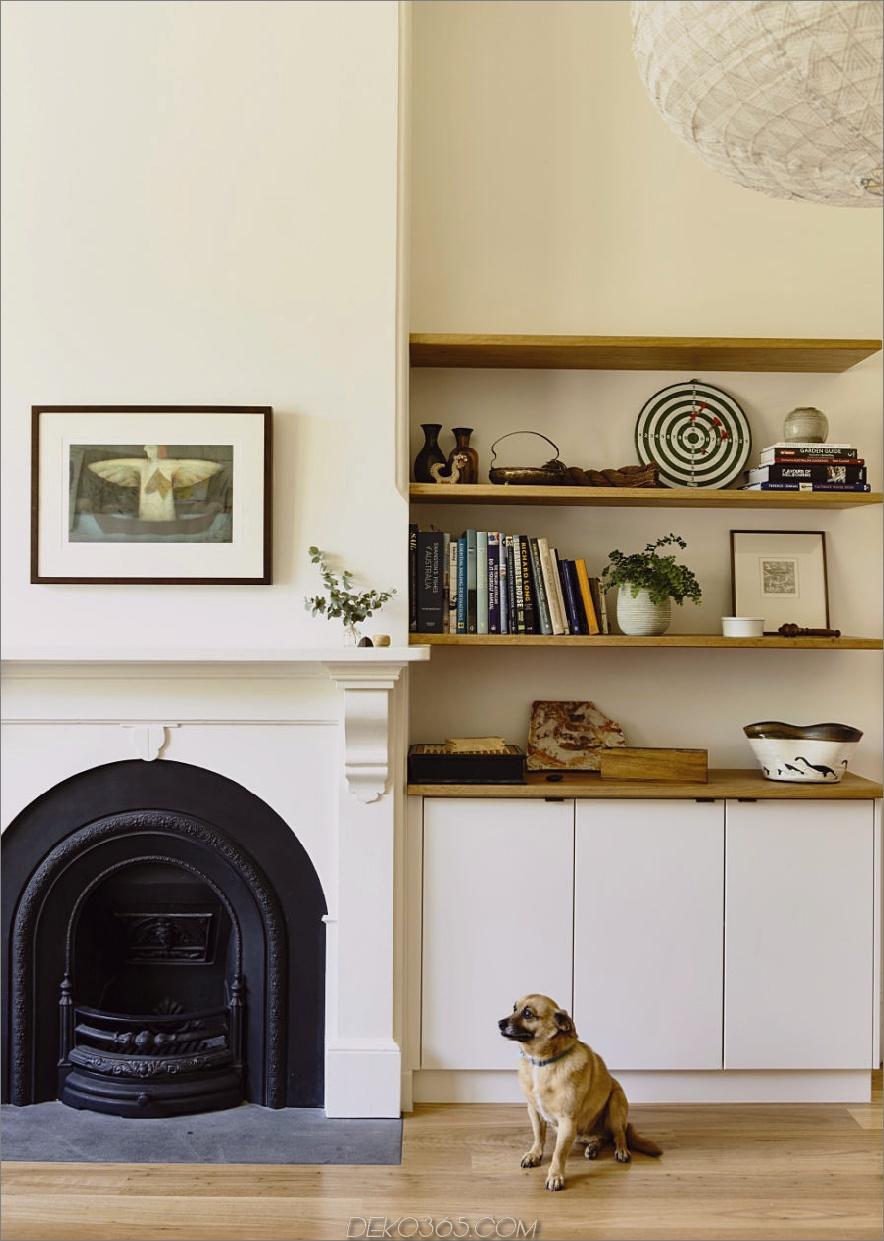 Ein klassischer Kamin wird zum Gestaltungselement des Raumes