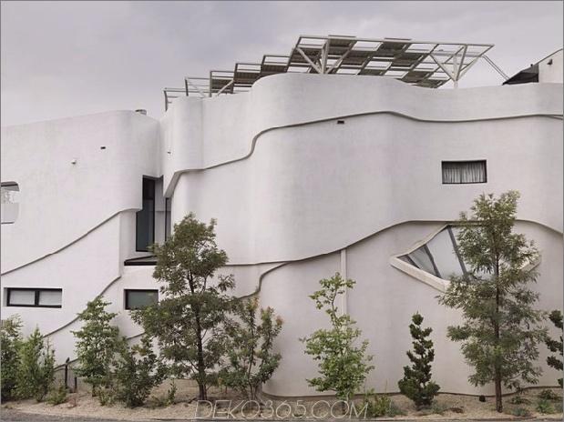 modernistisches Reihenhaus mit verschwindenden Wänden und minimalistischem Interieur 2 thumb 630x472 16425 Modernistisches Reihenhaus mit verschwindenden Wänden und minimalistischem Interieur