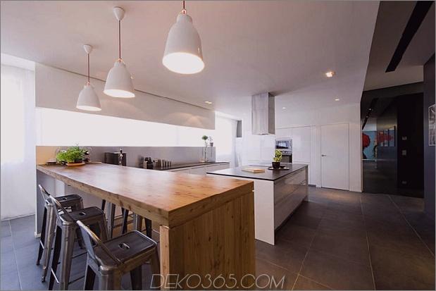 Modisch-Französisch-Loft-mit-Open-Interiors-und-bunte-Beleuchtung-5.jpg