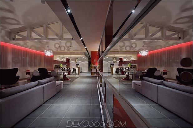 Modisch-Französisch-Loft-mit-Open-Interiors-und-bunte-Beleuchtung-8.jpg