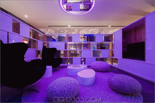 Modisch-Französisch-Loft-mit-Open-Interiors-und-bunte-Beleuchtung-10.jpg