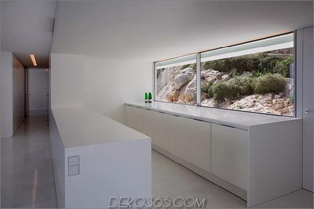 monolithisches Haus-über dem Meer-20.jpg aufgehängt