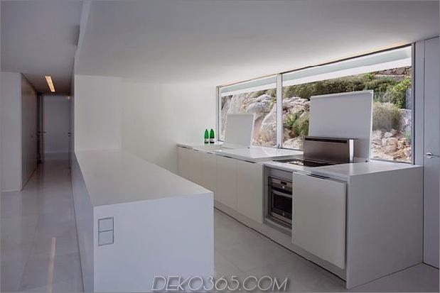 monolithisches Haus-über-das-Meer-21.jpg aufgehängt