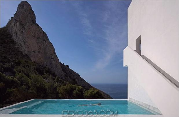 monolithisches Haus-über-das-Meer-15.jpg aufgehängt