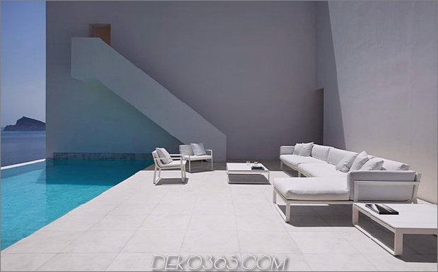 monolithisches Haus-über-das-Meer-17.jpg aufgehängt