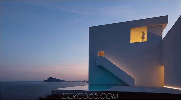 monolithisches Haus-über-das-Meer-5.jpg aufgehängt
