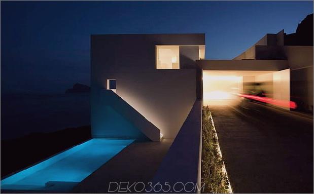 monolithisches Haus-über-das-Meer-9.jpg aufgehängt