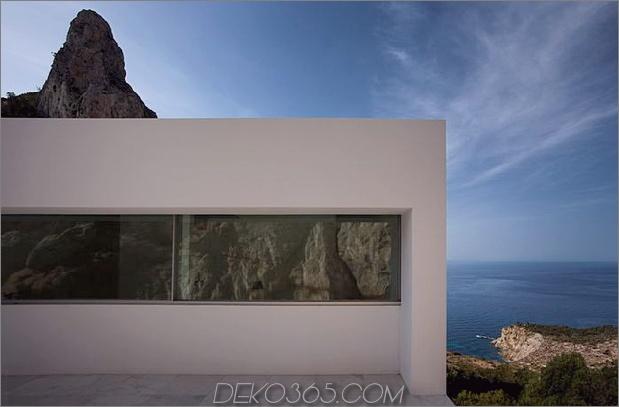 monolithisches Haus-über-das-Meer-13.jpg aufgehängt