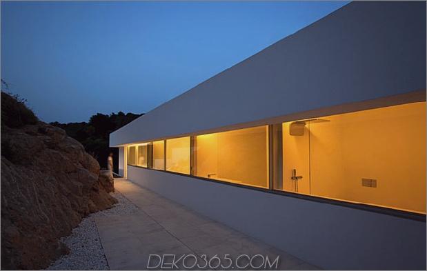 monolithisches Haus-über-das-Meer-27.jpg aufgehängt