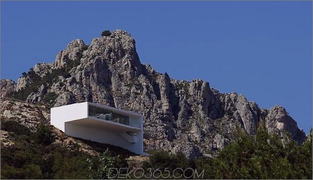 monolithisches Haus-über-das-Meer-30.jpg aufgehängt