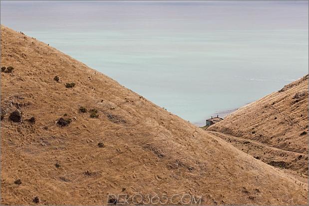 2 Nachhaltige Kabine mit Kabinenfernausführung vulkanischer Berghang thumb 630xauto 66691 Nachhaltige Kabine am Meer an einem entfernten Vulkanberg