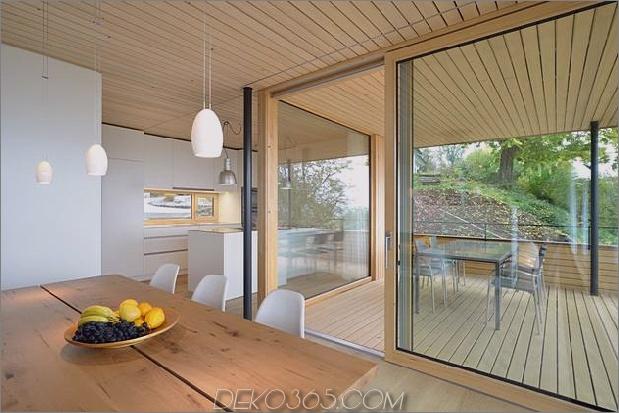 nachhaltig-geometrisch-haus-dach-terrasse-7-deck-dining.jpg
