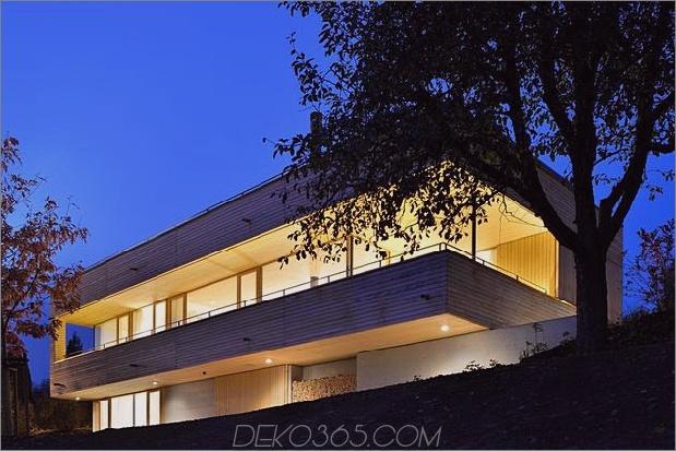 nachhaltig-geometrisch-haus-dach-terrasse-11-hinterhof.jpg