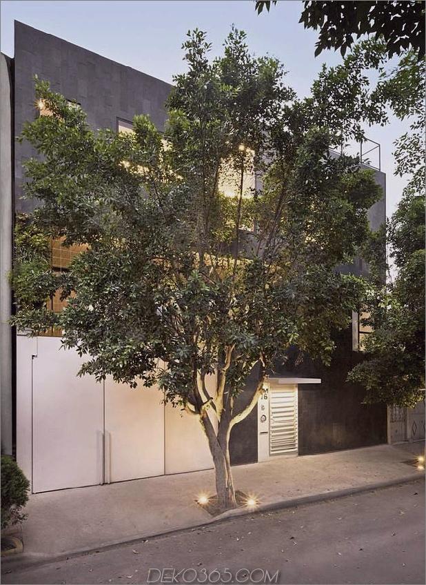 Nachhaltiges Haus mit grüner Mauer und über 4000 Pflanzen 2 thumb 630x864 12073 Nachhaltiges Haus mit grüner Mauer und über 4.000 Pflanzen