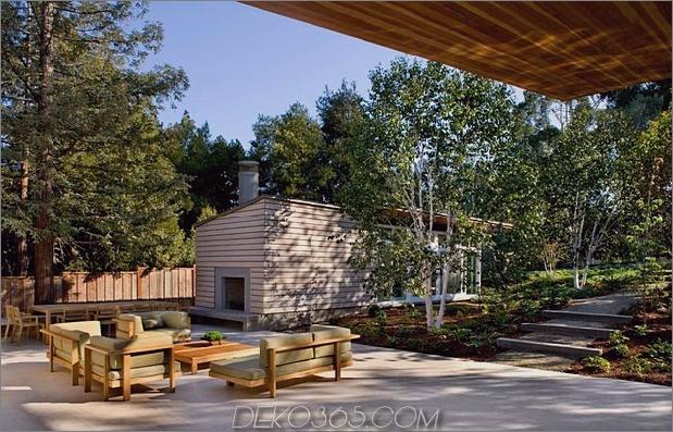 nachhaltig-haus-künstlich-teich-üppig-landschaftsbau-11-terrasse.jpg