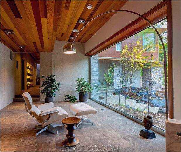 natural_house_echoes_environment_in_form_and_materials_7.jpg