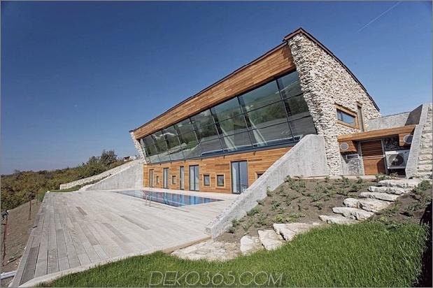 Niedrigenergiehaus mit Blick auf Haus mit Dachwiese 1 voller Winkel Vorder Daumen 630xauto 33568 Niedrigenergiehaus mit Dachwiese