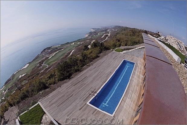 Niedrigenergie-Hügel-Aussichts-Haus-mit-Dach-Rasen-4-von-oben.jpg