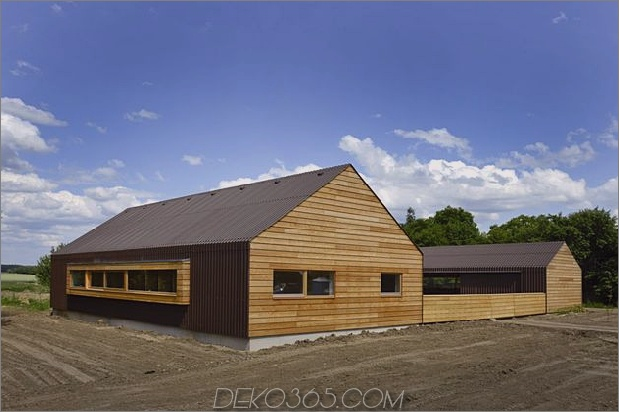 modernes offenes konzept gehöft zentraler hof deutschland 17 westside thumb 630x419 16660 Open Concept Timber Frame Farmhouse