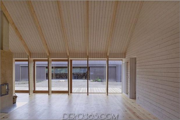 modern-open-concept-homestead-centralcourtyard-germany-7-glass-wall.jpg