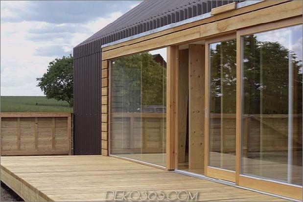 modern-open-concept-homestead-centralcourtyard-germany-10-deck.jpg
