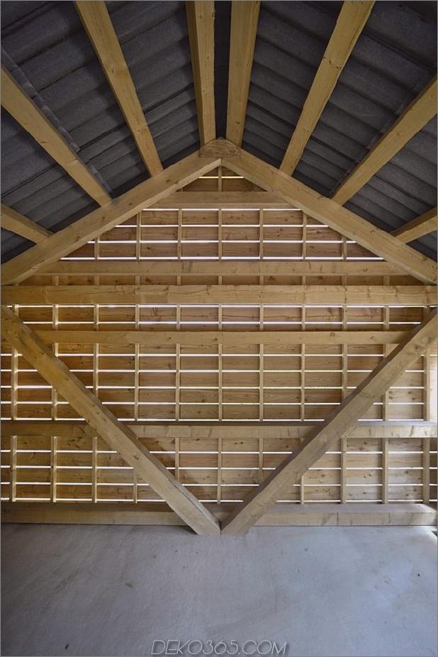 modern-open-concept-homestead-centralcourtyard-germany-14-gable-wall.jpg