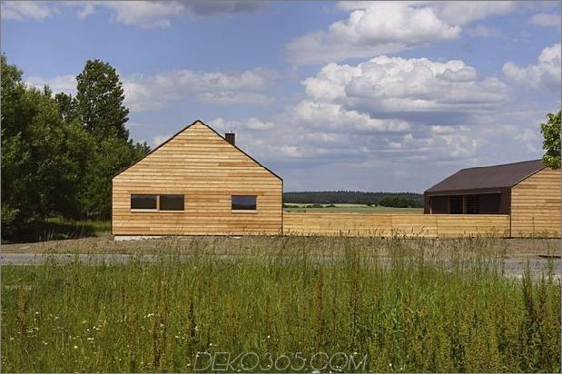 modern-open-concept-homestead-centralcourtyard-germany-16-south-side.jpg