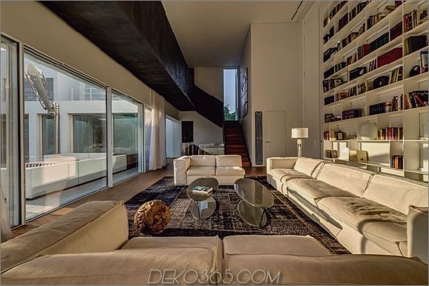 Outdoor-fokussiertes Haus-mit-unabhängige-Dach-Schlafzimmer-14-Wohnzimmer-Schatten.jpg