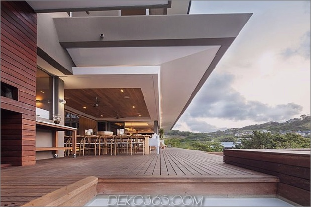 Einfachheit trifft Raffinesse-in-Terrassen-Outdoor-Wohnhaus-Plan-15.jpg