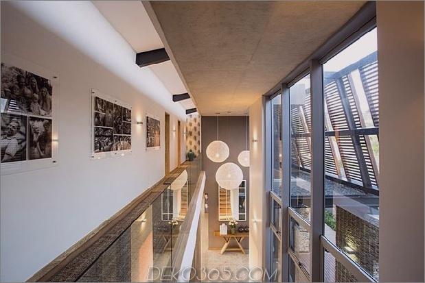 Einfachheit trifft Raffinesse-in-Terrassen-Outdoor-Wohnhaus-Plan-16.jpg