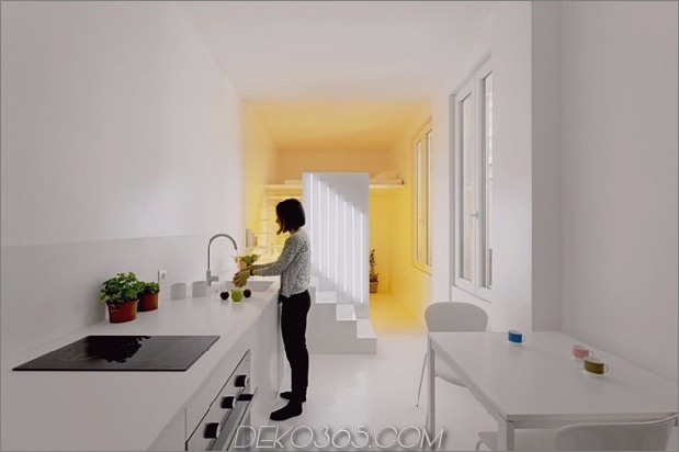 kleine-boden-plan-paris-wohnung-renoviert-mit-modern-beleuchtung-lösungen-4-nachmittag.jpg