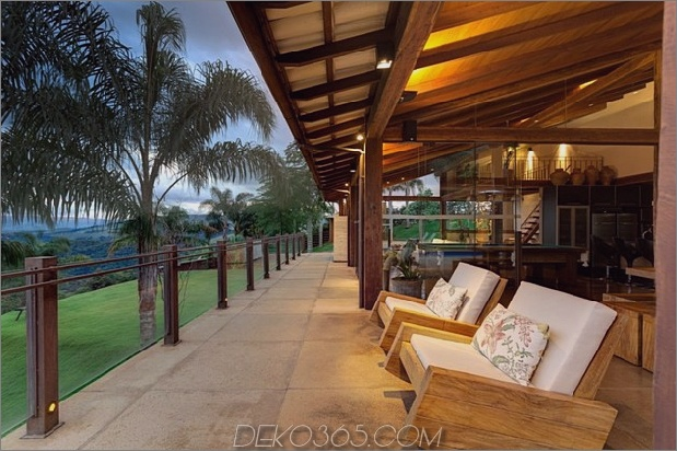 Matching-Tropial-Ferienhäuser-mit-Modern-Details-6-Deck-Geländer.jpg