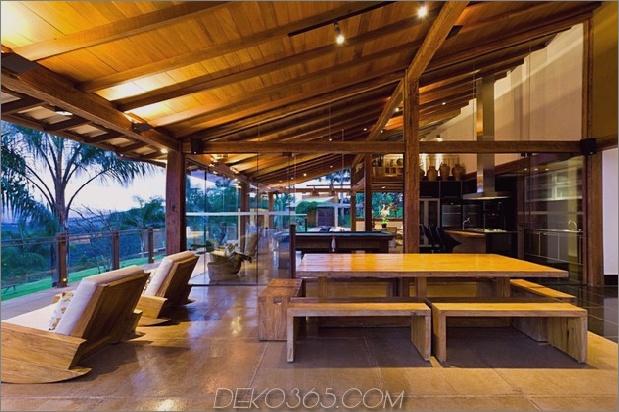 Matching-Tropial-Ferienhäuser-mit-modern-Details-8-kitchen-straight.jpg