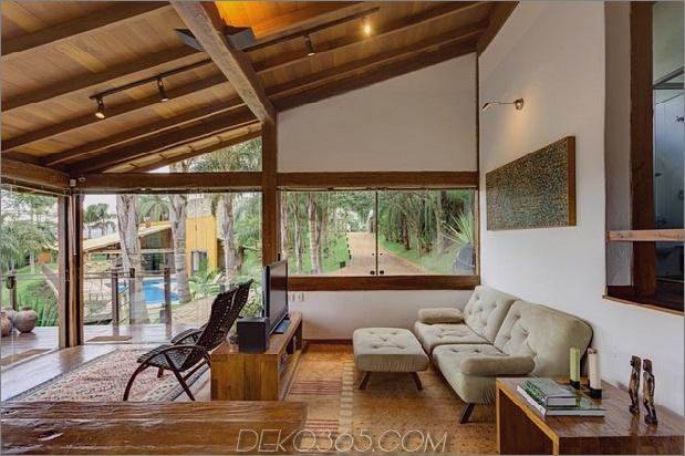 passende tropial-ferienhäuser-mit-modern-details-17-gasthaus-wohnzimmer.jpg