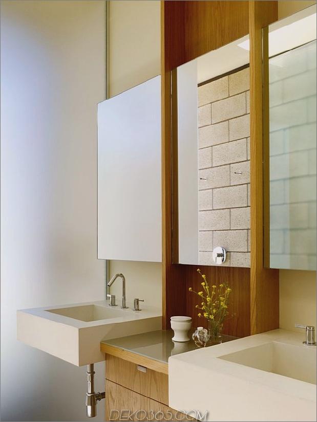 Passiv gekühltes Haus-mit-Outdoor-Wohnräumen-17-Bad.jpg