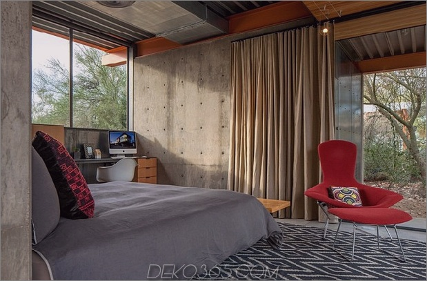 Pferdestall, der in ein offenes Gästehaus verwandelt wurde -7-bedroom.jpg